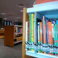 Foto tomada en Biblioteca Pública de Lugo por Belén b. el 11/6/2013