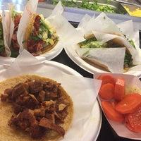 Foto scattata a Taco y Taco Mexican Eatery da Brad E. il 3/21/2017