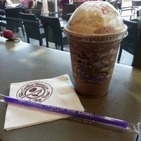 Photo taken at The Coffee Bean & Tea Leaf by Sen A. on 2/21/2015