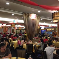 Photo taken at Swatow Seafood Restaurant 汕头海鲜 by Jerald C. on 2/5/2017
