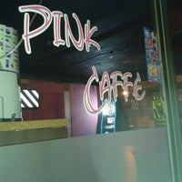 Photo taken at Pink Caffe by Isaque F. on 9/14/2013