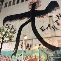 10/15/2017に@taka6149が黒田征太郎/長友啓典《PEACE ON EARTH》1983年で撮った写真