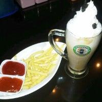 Photo taken at Coffee Room Paradiso, Perintis Kemerdekaan - Makassar by Mursyidha R. on 11/22/2013