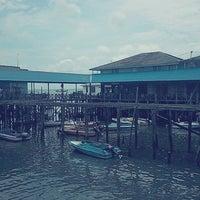 Photo taken at Pelabuhan speedboat kampung baru by Khairul R. on 9/22/2013