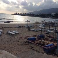 Foto tirada no(a) Aydıncık Plajı por Servet K. em 10/18/2014