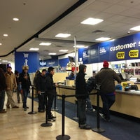 Photo taken at Best Buy by Jorge O. on 11/29/2012
