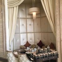 รูปภาพถ่ายที่ The St. Regis Abu Dhabi โดย Yumiko K. เมื่อ 2/18/2018