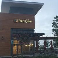 Das Foto wurde bei Peet's Coffee & Tea von Don P. am 7/31/2016 aufgenommen