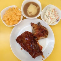 Photo taken at Kenny Rogers Roasters by Michelle V. on 7/10/2014