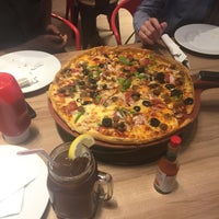 Photo taken at Pizza Hut by Omer E. on 8/5/2018