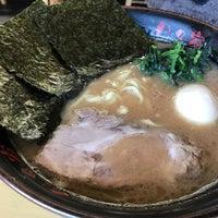 Photo taken at 横浜らーめん 日々家 by Nanami on 12/3/2016