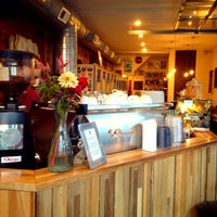 Photo taken at Ultimo Coffee @ Brew by Brian Y. on 9/13/2013