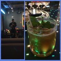 Photo taken at w xyz Lounge by Laurie Ú. on 7/16/2015