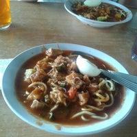 Photo taken at Restoran Sri Ketapang by Mohammad Rosli A. on 1/15/2014