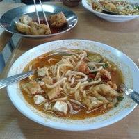 Photo taken at Restoran Sri Ketapang by Mohammad Rosli A. on 10/23/2013
