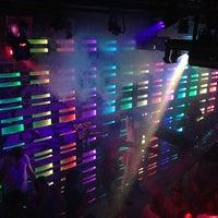 Photo prise au Club NYX par Alex v. le3/31/2013