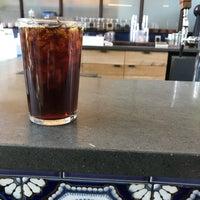 Foto scattata a Mañana Coffee & Juice da Kristina il 3/8/2018