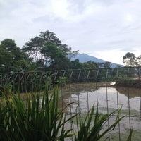 Photo taken at Lembur Pancawati by Teeto' P. on 12/12/2013