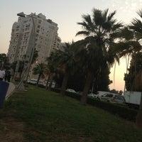 Photo taken at (الممشى (شارع فيصل بن فهد by Sooma😍 on 3/9/2013