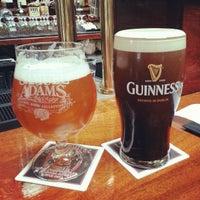 Foto scattata a Ri Ra Irish Pub and Restaurant da Ryan M. il 2/28/2013