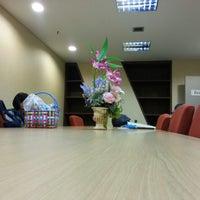 Photo taken at สำนักงาน ก.พ.ร. ศูนย์ราชการแจ้งวัฒนะ by YoON ^. on 8/26/2013