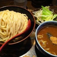 Photo taken at 三田製麺所 恵比寿南店 by Tomoe K. on 5/23/2013