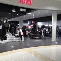 Photo taken at H&M by Vladimir R. on 8/30/2013