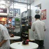 Photo taken at Mak Man Kee Noodle Shop by Ringo W. on 10/19/2013