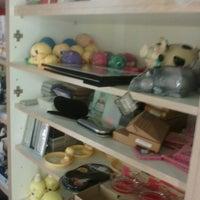 Photo taken at verkoopzaal 't kloefke by Shay B. on 9/14/2013