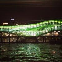 Das Foto wurde bei Les Docks – Cité de la Mode et du Design von Hanafi Z. am 2/17/2013 aufgenommen