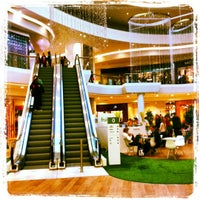 Foto scattata a Shopping City Süd da Thomas S. il 11/17/2012
