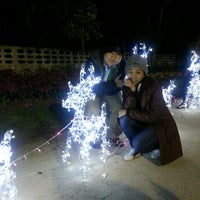 Photo taken at เทศกาลเชียงรายดอกไม้งาม ครั้งที่8 by Nuchjung on 12/21/2013