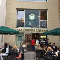 Photo taken at Starbucks by Jean Ravel R. on 9/14/2013