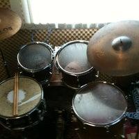 Photo taken at Drum Feel by Dickson Resstel on 10/1/2013