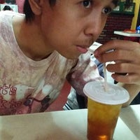 Photo taken at Mie Reman by Nhuii H. on 8/8/2014