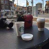 รูปภาพถ่ายที่ Starbucks โดย Sara A. เมื่อ 5/11/2016