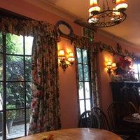 10/2/2017にNeslihan Y.がOriginal Maids of Honour Tearoomで撮った写真