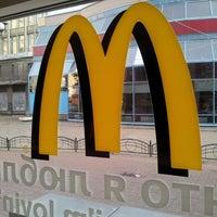 Снимок сделан в McDonald's пользователем Natalia D. 10/2/2013