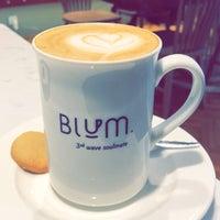 Photo prise au Blum Coffee House par Naif M. le8/13/2018