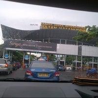 Photo taken at Jalan Sultan Hasanuddin by Vhida h. on 3/31/2014