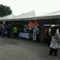 Photo taken at Pasar Manjoi by Tokey Kuat Y. on 3/25/2012