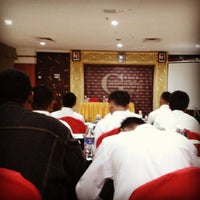 Photo taken at Golden View Hotel by Chairul A. on 11/19/2014