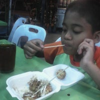 Photo taken at Restoran Razz Maju by mohamad b. on 1/10/2014