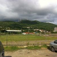 Photo taken at Campo De Futbol de La UDO by Onni H. on 9/13/2013