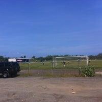 Photo taken at Campo De Futbol de La UDO by Onni H. on 10/27/2013