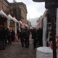 Foto tomada en Downtown Holiday Market por Michelle M. el 12/7/2012