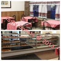 Photo taken at Tasty Donuts by Vanessa-Rose on 1/30/2013