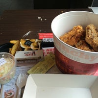 Photo taken at Kentucky Fried Chicken by Andre B. on 9/14/2015