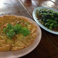 Photo taken at ลุงเปี๊ยกโภชนา by P' Tum . on 7/28/2014