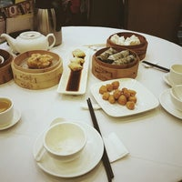 Photo taken at Choi Fook Delight Banquet 彩福喜宴 by Luke B. on 1/30/2017